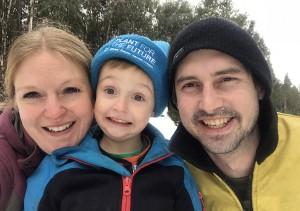 family-in-snow-sm